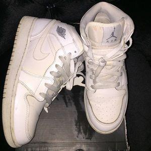 Kids Air Jordan 1 mid BG white size 5y